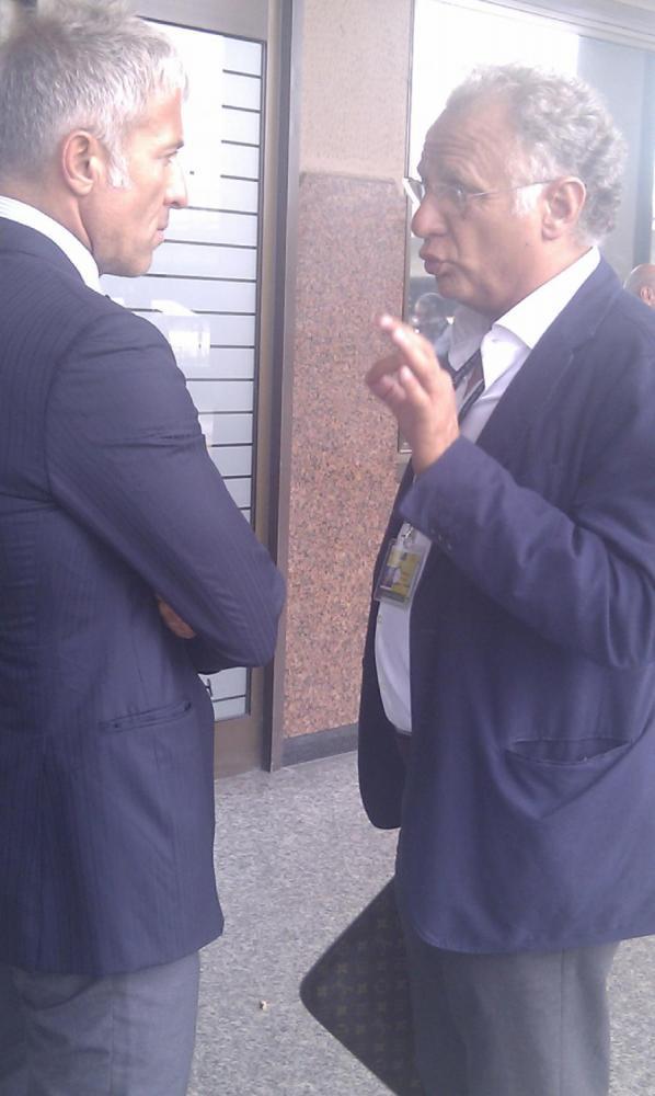 Gli agenti Tinti e Pocetta a colloquio
