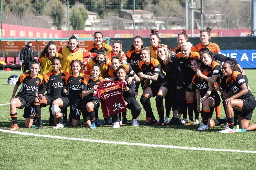 Dedica a coach Bavagnoli della Roma Femminile