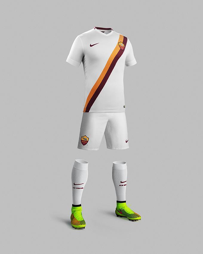 La seconda maglia della Roma